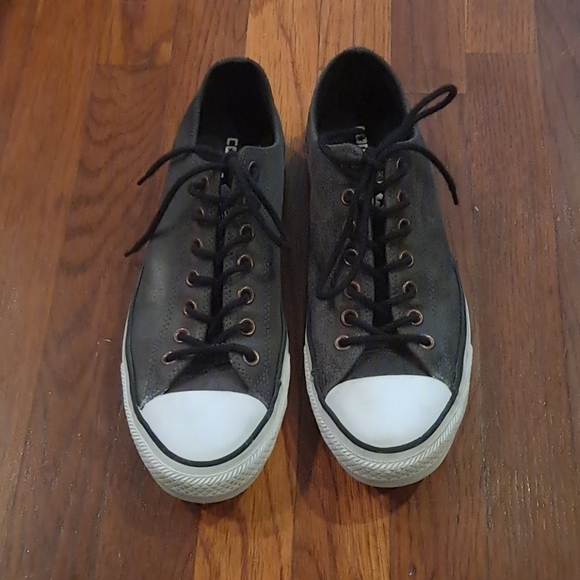 Converse gray sneaker size 9 mens 11 womens